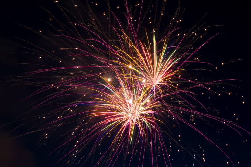 fireworks causes of color